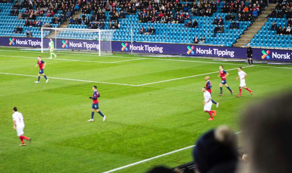 norsk Tipping branding in sports contexts